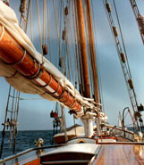 Mast and rigging on Spike Africa